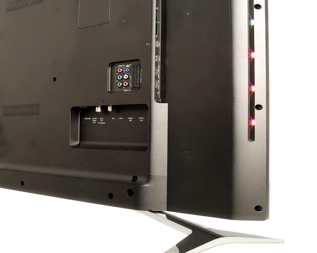 Philips 55PUS6561. Conexiones y soporte.