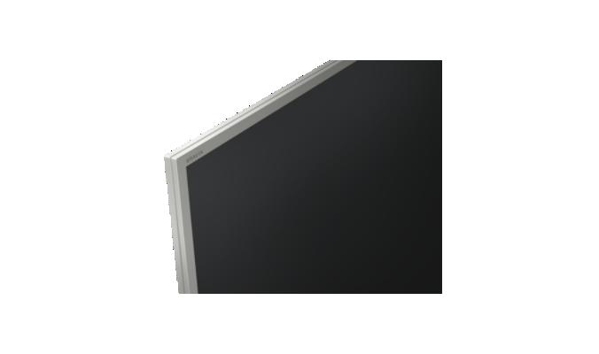 Sony KD55XE7077SAEP, pantalla BRAVIA 2017 con marcos plateados de efecto aluminio.