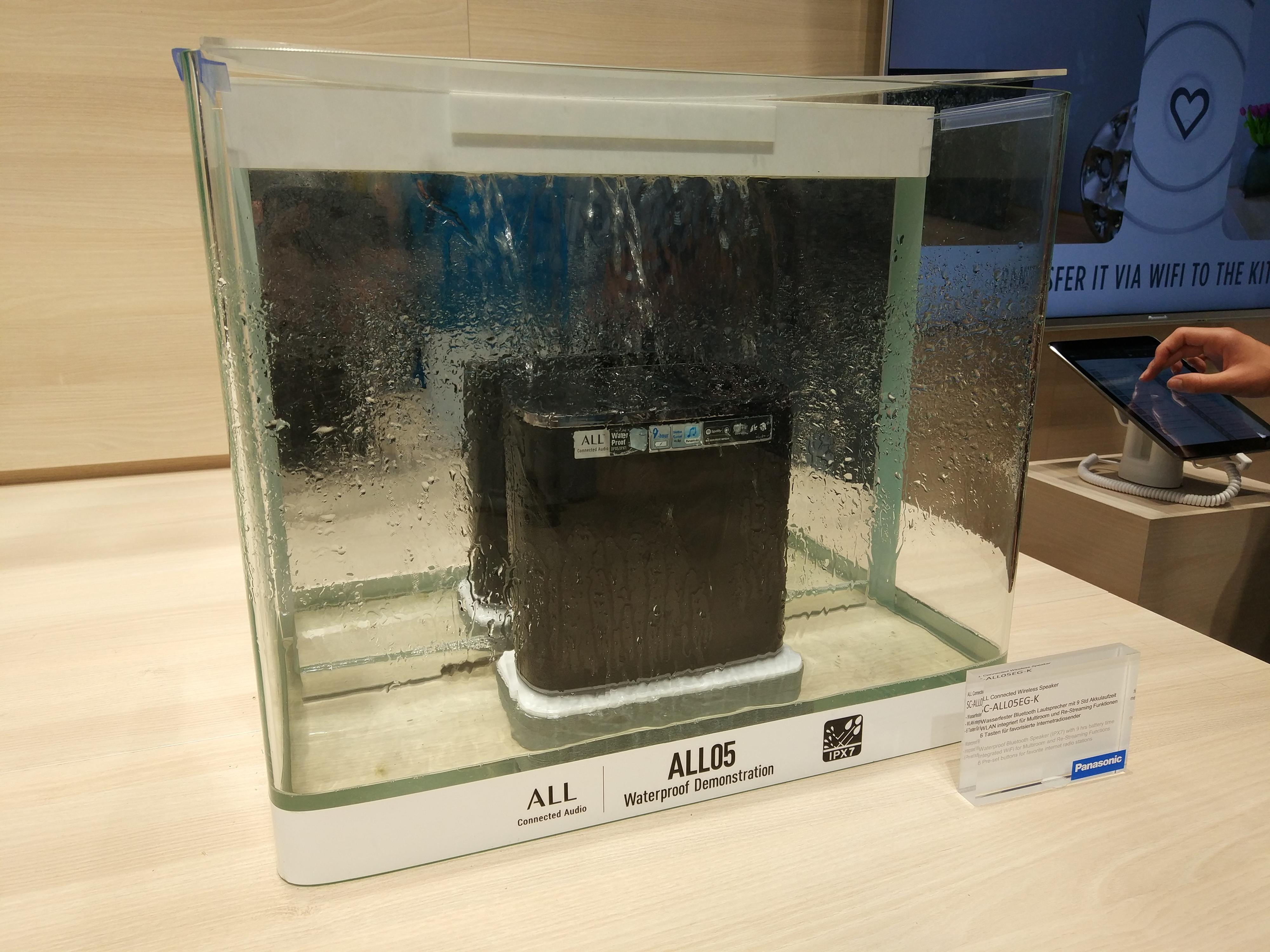 Demostración de su resistencia al agua