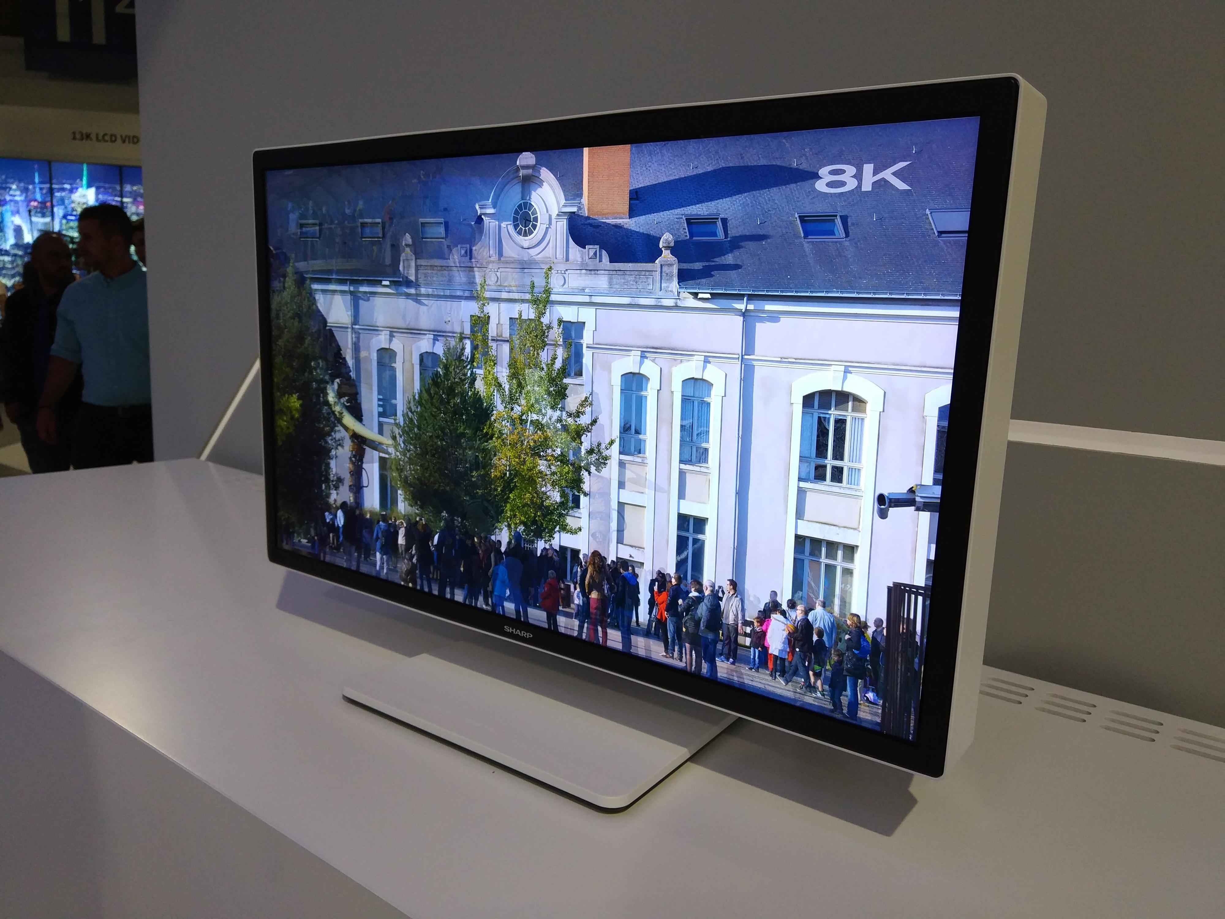 Así es el monitor 8K que Sharp ha traído a la IFA17