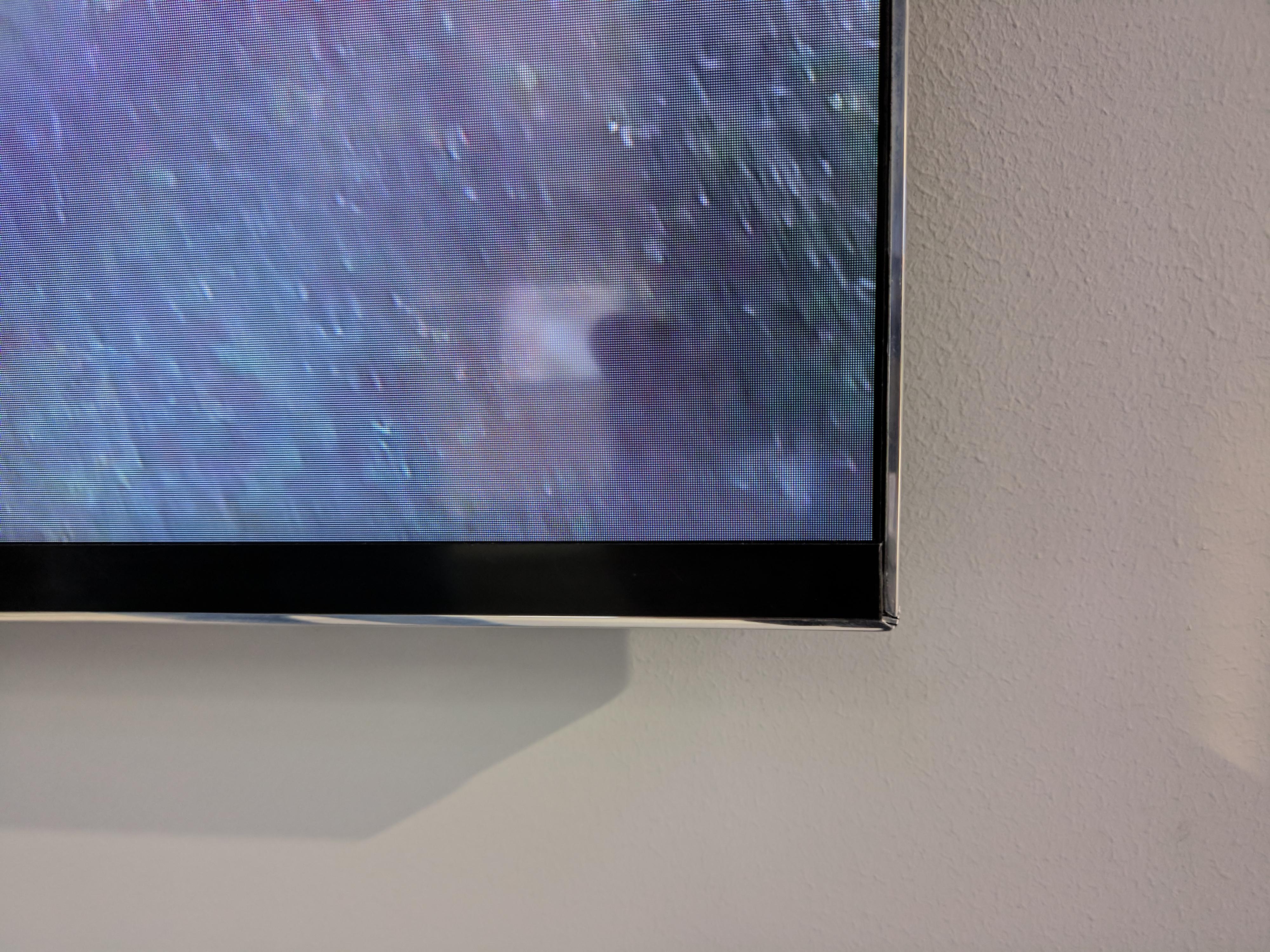 Apreciamos el mínimo marco en la TV