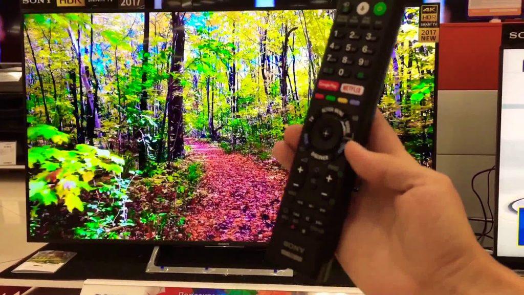 Sony KD65XE7096BAEP, mando con accesos directos a YouTube y Netflix.