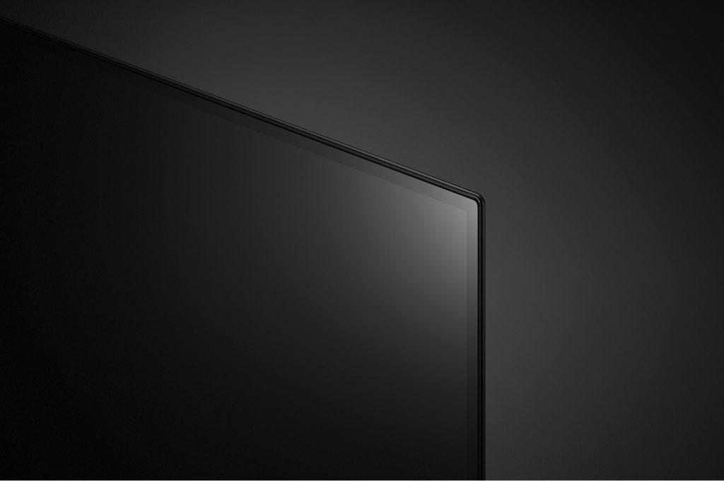 Vemos el vidrio al aire, sin marcos que definan la imagen
