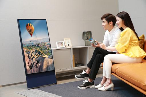 Así muestra la firma el nuevo modelo de TV vertical que saldrá a la venta en inminentes