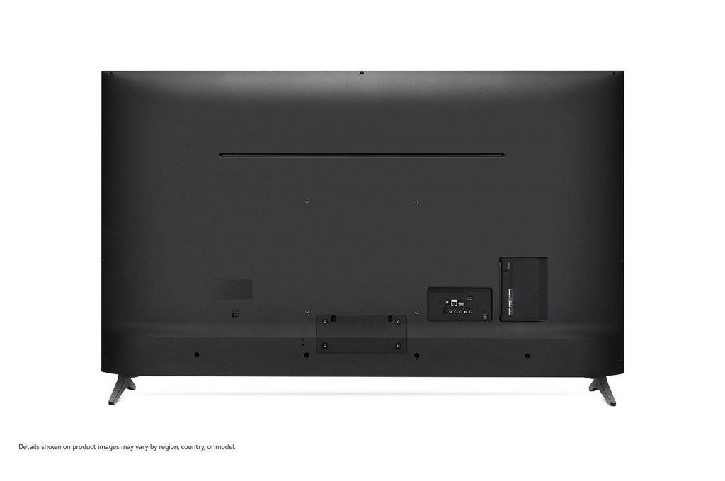LG 65UM7000 tienes sus conectores a la espalda, aunque algunos tienen orientación posterior y otros son laterales, para mayor comodidad