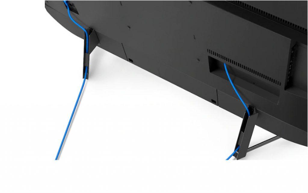 Sus conexiones se pueden disimular con el gestor de cables