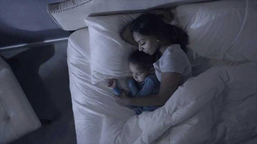 Restflix te ayuda a dormir con sonidos, música, bellas imágenes e incluso cuentos
