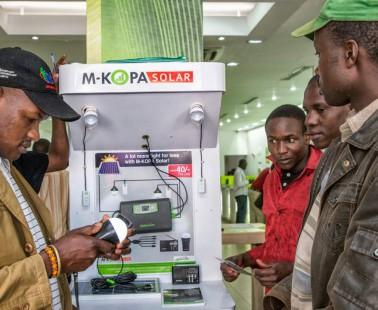 Llegan los televisores solares a África