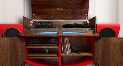Mueble Stereogram que evoca al siglo pasado