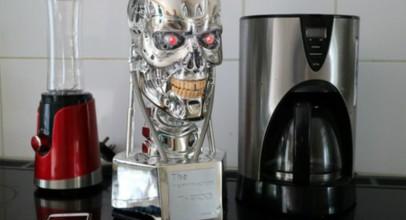 Altavoz Terminator T-800 Speaker, ¿nos estamos pasando?